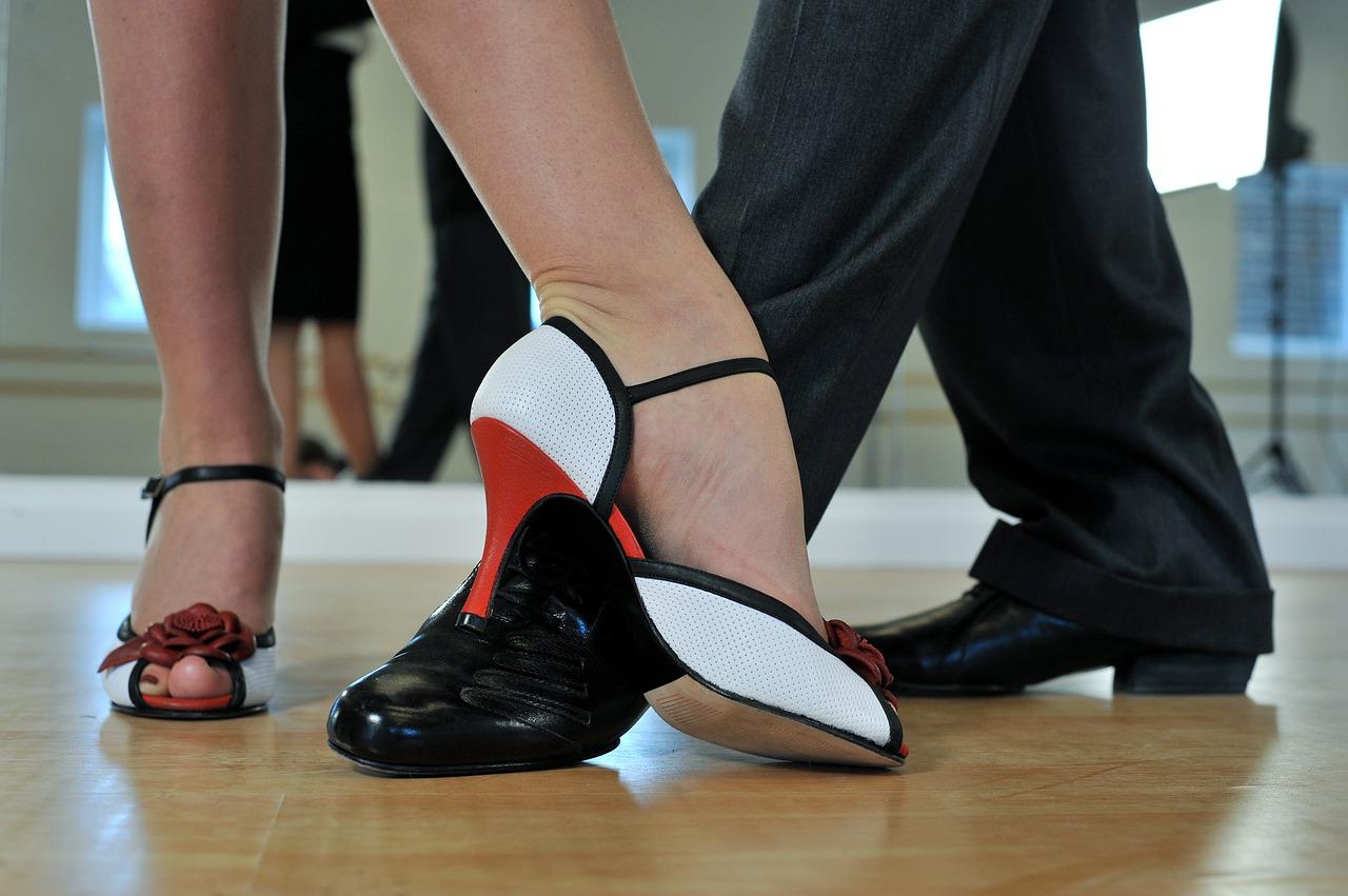 Tańce latynoamerykańskie – poczuj prawdziwą energię!